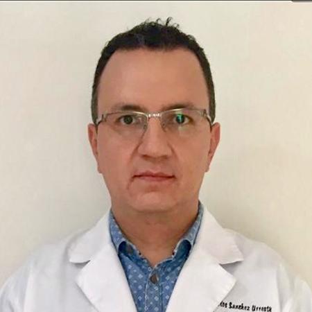 Dr. Carlos Sánchez U